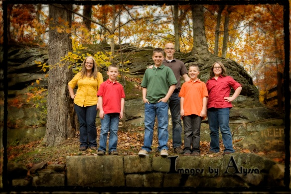 Outdoor Fall Family Picture Ideas http://imagesbyalyssa.wordpress.com/2010/11/10/rigby-family-portraits-at-olmsted-falls-park/